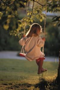 每日一句能量:真正的平静,不是避开车马喧嚣,而是在心中修篱种菊。