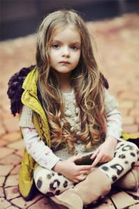 每日一句能量 :世界上的眼泪有固定的量。有一个人哭,就有一个人不哭。笑也一样。