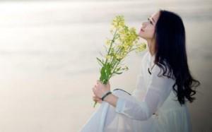 每日一句能量:淡然,是人生的一种成长。别让生活的压力挤走快乐,收拾心情,重新上路。