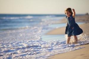 每日一句能量:小时候以为孩子是个奇迹,长大后才知道母亲才是奇迹。