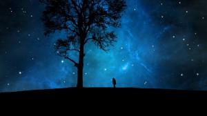 每日一句能量:一旦你接受了恶,恶就不会再要求你相信它。 ——卡夫卡